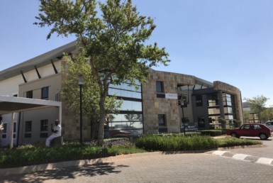 offices-to-let-in-roodepoort-strubensvalley-commercialproperty-johannesburg-roodepoort-sandton-illovo-hydepark-fourways-forrent-tolet-clearwaterofficepark-clearwater-shoppingcentre-10