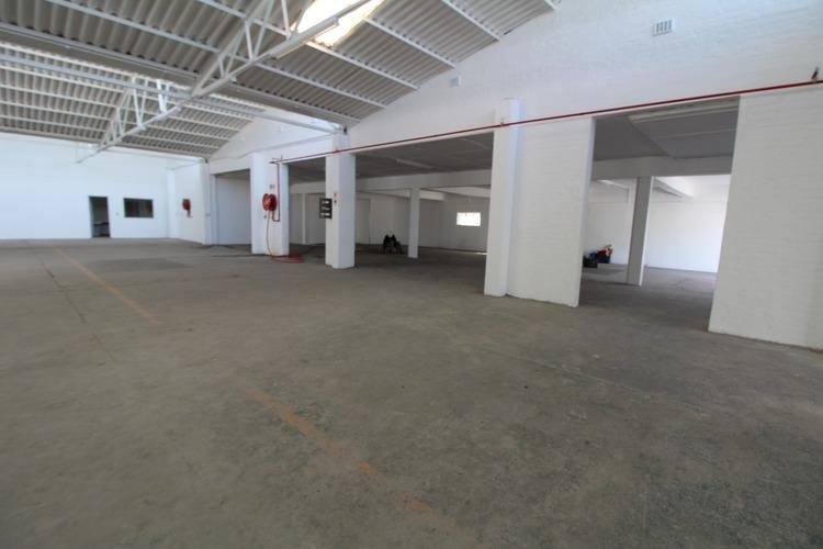 rooted-properties-warehouse-tolet-forrent-maitland-capetown-industrial-property-carpentersyard-384-386voortrekkerroad00003