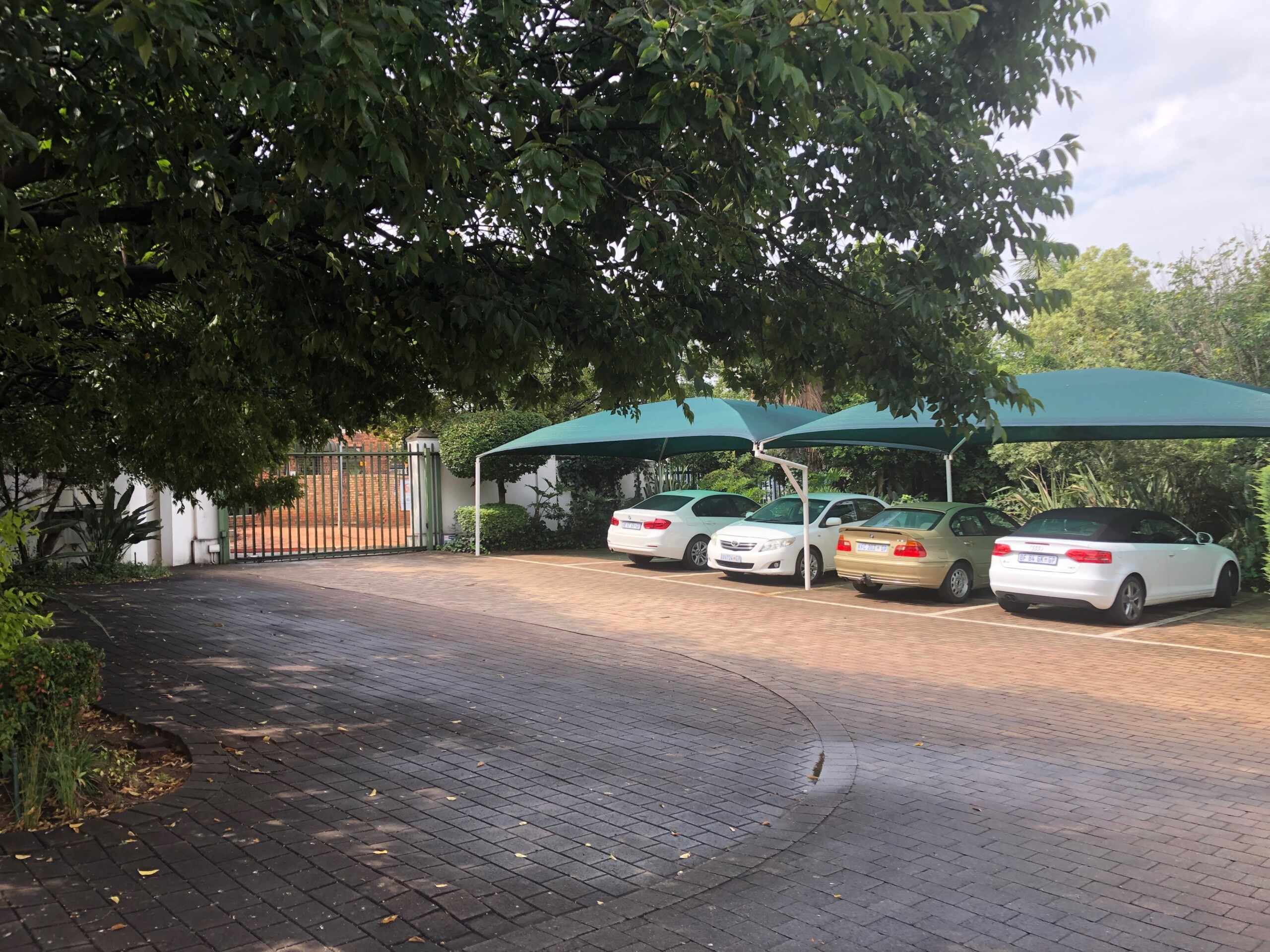 rooted-properties-office-tolet-forsale-randburg-bromhof-boskruin-commercial-property- best-top-commercial-property-brokers